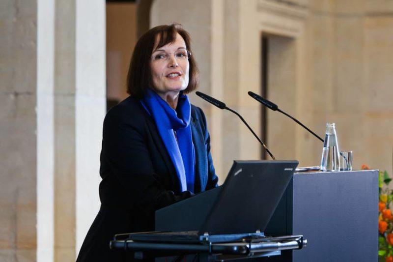 Verleihung Des Deutschen Psychologie Preises 2013 An Prof. Dr. Anke Ehlers