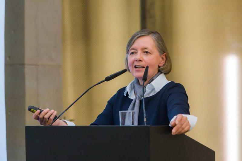 Verleihung Des Deutschen Psychologie Preises 2015 An Prof. Dr. Barbara Krahé